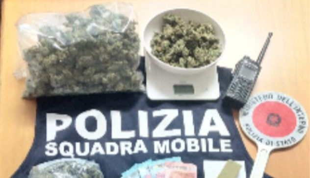 Fermata auto che trasportava marijuana e cocaina