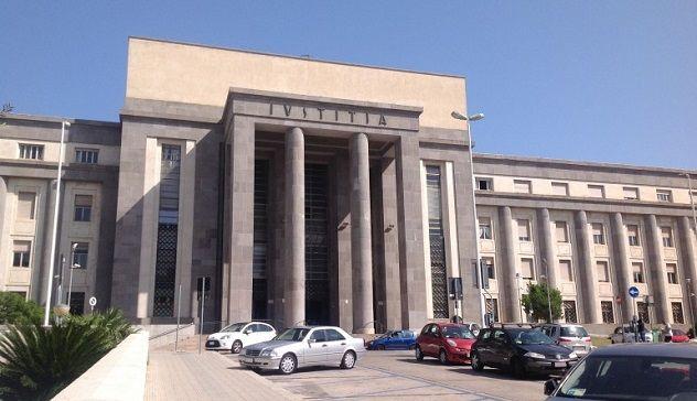Bidella accusata pedofilia si uccide nel Cagliaritano