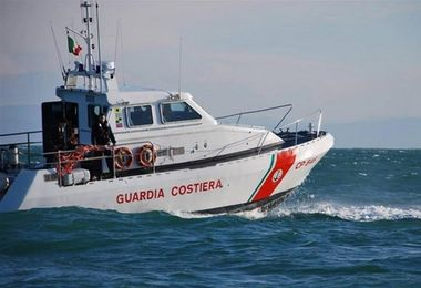 Cadavere in mare a Porto Rotondo, interviene la Guardia costiera
