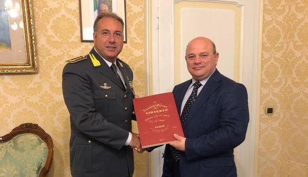Nicola Sanna incontra il Comandante della Guardia di Finanza