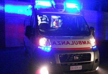 Drammatico incidente a Sassari: muore 27enne, tre bimbi feriti